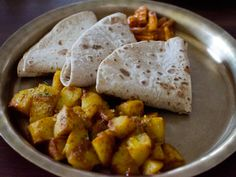 The Vegetarian Option: Woodside Cafe, Must-Eat Nepali in Queens | Serious Eats : New York