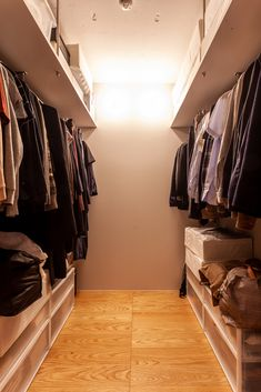 WICは両側に2列。ご主人、奥様と分けて収納。 #I様邸検見川浜 #WIC #クローゼット #インテリア #EcoDeco #エコデコ #リノベーション #renovation #東京 #福岡 #福岡リノベーション #福岡設計事務所 Closet, Home Decor, Armoire, Decoration Home, Room Decor, Closets, Cupboard, Wardrobes, Home Interior Design