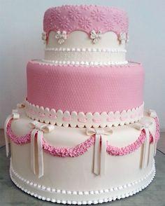 Bolo-infantil-rosa-e-branco.jpg (860×1072)