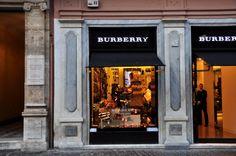 Burberry - San Lorenzo in Lucina (photo Luca Semplicini)