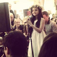 Instagram media open_house - Nydelig stemme. Nydelig jente. #angelinajordan
