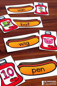 Summer Centers for Kindergarten Kindergarten Centers, Kindergarten Reading, Kindergarten Classroom, Literacy Stations, Literacy Centers, Spelling Centers, Summer School Activities, Rhyming Activities, Picnic Activities