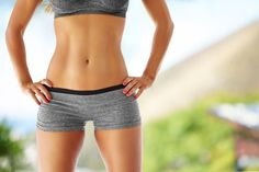 An important aspect of weight loss is losing fats from your belly. We all admire the perfect model figure with flat abs but belly fats are stubborn and taking time to melt. Flat Abs, Flat Tummy, Flat Belly, Losing Weight Tips, Weight Loss Tips, How To Lose Weight Fast, Effective Ab Workouts, Flatter Stomach, Chocolate Slim