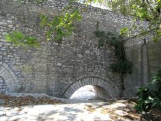 Arta-Brücke, Arta, Greece Over The River, Unique Architecture, Greece Travel, Bridges, Travelling, Greek, Memories, Memoirs, Souvenirs