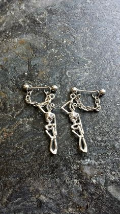 Hey, I found this really awesome Etsy listing at https://www.etsy.com/listing/234998307/hanging-skeleton-skull-human-set-of-2