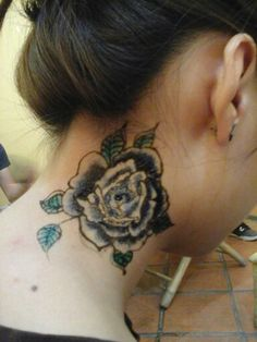 Blue rose with henna