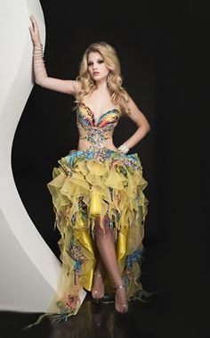 63548a860b9  NewYorkDress Blog    Alternative Homecoming Style    Click through for an  array of
