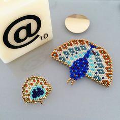 Encore un jour pour jouer avec @perlesandco et @artesane_paris... Bonne chance !! #artesanexmonpetitbazar #artesanexperlesandco #perlezmoidamour #jenfiledesperlesetjassume Seed Bead Earrings, Beaded Earrings, Seed Bead Jewelry, Beaded Clutch, Beaded Brooch, Beaded Jewelry Patterns, Beading Patterns, Collar Hippie, Art Perle