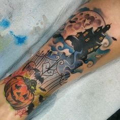 Added a little haunted house to the wife's pumpkin tattoo, happy almost… halloween tattoo Spooky Tattoos, All Tattoos, Flower Tattoos, Body Art Tattoos, Sleeve Tattoos, Horror Tattoos, Haunted House Tattoo, Pumpkin Tattoo, Ink Addiction