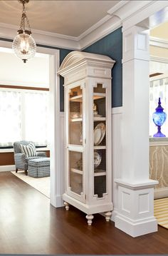 Hallway Decor Ideas. Hallway Design is often neglected when considering the design. Love the addition of the white display cabinet here. CLICK ON PIN AND LEARN HOW TO MAP PINS WITH YOUR HOME DECOR BUSINESS