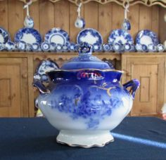 N/R - LaBelle Flow Blue Sugar Bowl - Exc. condition. Free S/H/I within lower 48
