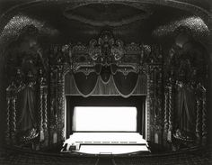 Teatros // Theaters (by Hiroshi Sugimoto, 1978)