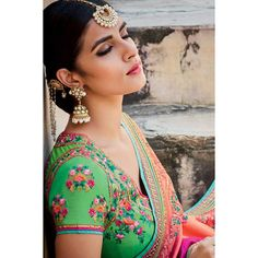 Buy latest sarees online, Shaded Peach Pink And Green jacquard diwali saree, u neck blouse now in shop. Andaaz Fashion brings latest designer ethnic wear collection in US