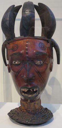 Headdress, Ejagham or Ekoi people, Honolulu Museum of Art, 4637.1.JPG