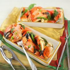 Stone Crab Claws in Red Curry - #thai #recipes #appetizers