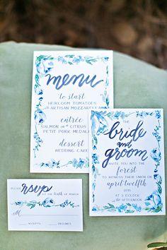 caligraphy invitations by Laura Hooper Calligraphy @weddingchicks