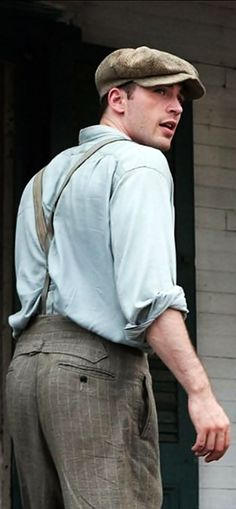 Chris Evans<<<< That's a mighty fine ass you got their Evans <3