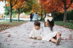 Fall family photos in the park by J Elizabeth Photography