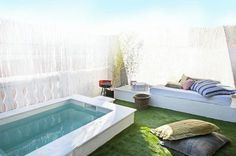 Ideas For Exterior House Garden Entrance Small Swimming Pools, Small Backyard Pools, Small Pools, Swimming Pool Designs, Outdoor Pool, Outdoor Spaces, Outdoor Living, Mini Piscina, Mini Pool
