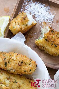 Smaczna panierka do ryby. Surówka z kapusty, przepis coleslaw