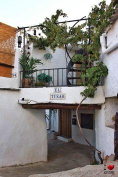 Tinao de Juviles Wreaths, Home Decor, Decoration Home, Door Wreaths, Room Decor, Deco Mesh Wreaths, Home Interior Design, Floral Arrangements, Garlands
