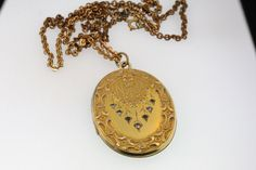 VICTORIAN Y/ GOLD FILLED PICTURE LOCKET EMBOSSED RHINESTONE PHOTO CHAIN NECKLACE