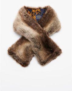 ROXIEFaux Fur Scarf
