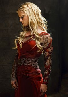 A gallery of Merlin publicity stills and other photos. Featuring Colin Morgan, Bradley James, Katie McGrath, Angel Coulby and others. Merlin Tv Series, Bbc Tv Series, Movies And Series, Colin Morgan, Morgana Le Fay, Merlin Morgana, Emilia Fox, Serenity, Roi Arthur