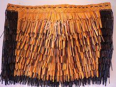 maori market 066 | by Maua Aotearoa Flax Weaving, Hand Weaving, Polynesian People, Maori Patterns, Cultural Crafts, Maori Designs, New Zealand Art, Maori Art, Easter Island