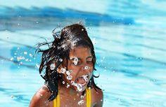 Bilder und Grußkarten. Bilder vom Sommer. Sunshine, swimming and ice lick: What can be better in the summer?