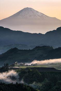 """ Morning layer. Mt Fuji | Photography by Hidetoshi Kikuchi """