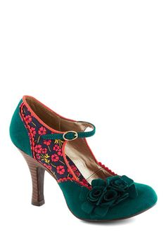 Snazzy Scenery Heel. Bring ambiance to any atmosphere with these delightfully adorned floral heels! #green #modcloth
