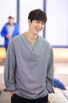 Lee Min Ho ^^ Legend of the blue sea drama Korean Celebrities, Korean Actors, Korean Dramas, Celebs, Lee Min Ho Smile, Jun Matsumoto, Legend Of Blue Sea, Lee Min Ho Kdrama, Hong Ki