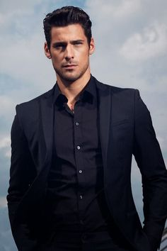 Jack Henry McLachlan - Beauty Series by Georgia Cates (Eric Belanger). Was not a big fan of the book Gentleman Mode, Gentleman Style, Business Casual Dresscode, Herren Style, Hommes Sexy, Mens Fashion Suits, Black Suits, Suit And Tie, Well Dressed Men