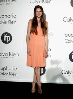 Shailene Woodley with the long hair!!