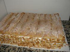 Bolo de Amêndoa e massa folhada Other Recipes, Sweet Recipes, Cake Recipes, Portuguese Desserts, Portuguese Recipes, Portuguese Food, Cupcakes, Cupcake Cakes, Food Cakes
