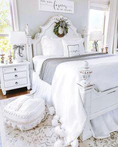 186 best guest bedroom ideas for you 1 mantulgan. Farmhouse Style Bedrooms, Farmhouse Master Bedroom, Master Bedroom Design, Dream Bedroom, Home Bedroom, Room Decor Bedroom, Bedroom Ideas, Bedroom Furniture, Country Bedroom Design