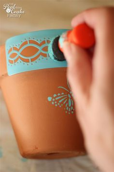 GiftIdeas,Pots-Great idea for teacher gifts or other gifts to make stenciled pots. Decorated Flower Pots, Painted Flower Pots, Painted Pots, Clay Flower Pots, Flower Pot Crafts, Clay Pots, Clay Pot Projects, Clay Pot Crafts, Pottery Painting Designs