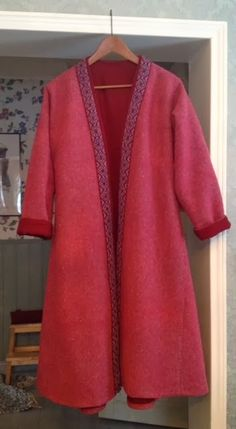 Love the color combination.  Viking kaftan from diamond twill