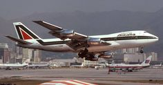 Alitalia Boeing 747-200B at Hong Kong-Kai Tak International Airport