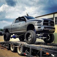 #cummins #diesel #lifted #2500 #dodge #ram