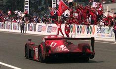 Yukio Katayama, Toyota GT-One (Toyota Motorsport). 24 Hours of Le Mans, Le Mans, Mclaren F1, Ferrari F40, Race Cars, Super Cars, Toyota, Racing, Nostalgia, Group