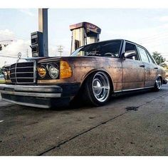 • @ruined_benz   #mercedes #benz #classic #cars #stanceworks #amg #w114 #w115 #w116 #w108 #w123 #w124 #w126 #w201 #w202 #w140 #190e #e200 #s63 #clk #gclass #sclass #brabus #auto #love #like #instagood #photooftheday #tbt #cute