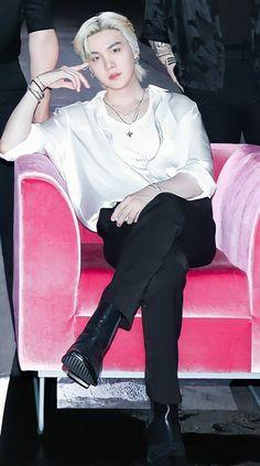 Min Yoongi Bts, Min Suga, Bts Taehyung, Bad Boy, Min Yoonji, Album Bts, Daegu, Yoonmin, Looks Cool