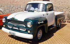 Colecionadores de carros antigos raros fazem exposição em SP