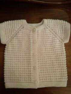 Knitting For Kids, Baby Knitting Patterns, Free Knitting, Baby Jumper, Baby Vest, Crochet Baby, Knit Crochet, Knit Cardigan, Sweaters