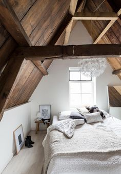 Gorgeous sloping roof.
