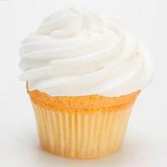 Receta de Cupcakes de Yogurt. Cómo preparar la base de los Cupcakes de Yogurt con la receta paso a paso y cómo hacer frosting de yogurt para cupcakes.