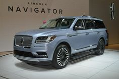 The 2018 Lincoln Navigator Black Label brings the fight to the full-size SUV segment, packing a fresh face and glam interior from the Continental. Lincoln Suv, New Lincoln, Top Luxury Cars, Luxury Suv, 2018 Lincoln Navigator, Lincoln Aviator, Suv Cars, Sport Cars, Cadillac Escalade