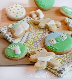 Two Peas in a Pod Sugar Cookies {Brooke's Virtual Baby Shower} Baby Shower Verde, Baby Shower Purple, Sweet Cookies, Sugar Cookies, Second Baby Showers, Virtual Baby Shower, How To Have Twins, Baby Shower Cookies, Baby Party